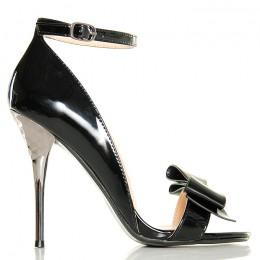 Sandały - Eleganckie Lakierowane Czarne z Kokardą