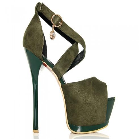 nie - Sandały Zielone Zamszowe - Zakryta Pięta Wisiorek