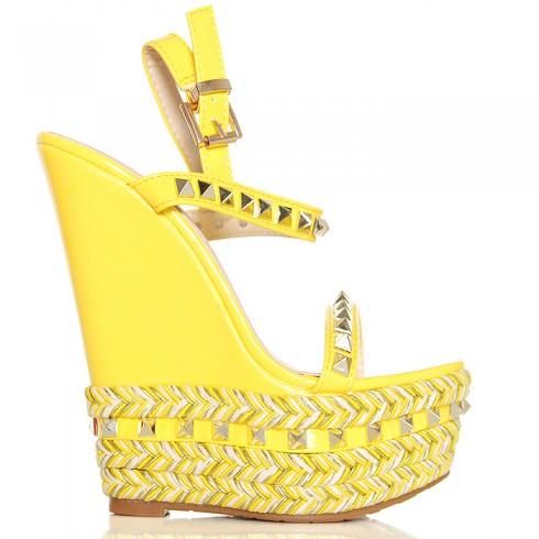Nie - Sandały Żółte Lakierowane Na Sznurkowej Koturnie 6298