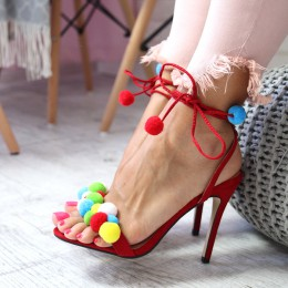Sandały Czerwona Zgrabna Szpilka Kolorowe Pompony 6507