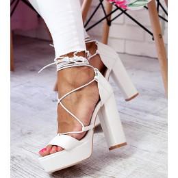 Sandały Białe Sznurowane Gruby Słupek 6453