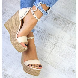 Sandały Beżowe Na Sznurkowej Koturnie 7361