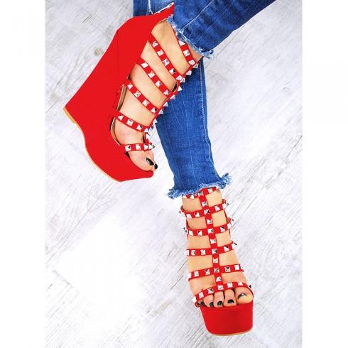 Sandały Czerwone Zamszowe Na Koturnie 7502