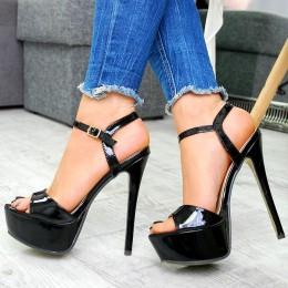 Sandały Lakierowana Czarna Kobiecość 7558