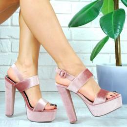 Sandały Modny Różowy Welur Na Słupku 7772
