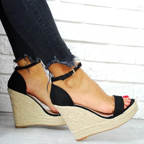 nie-Sandały Czarne Zamszowe - Koturna 7801