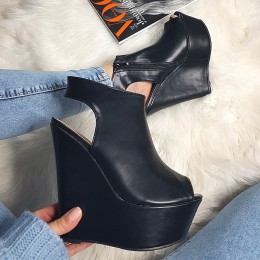 Sandały Czarne Na Mega Koturnie 8211