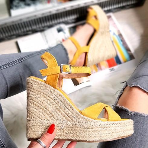 Sandały Żółty Zamsz Na Koturnie 8311