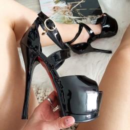 Sandały Czarne Lakierowane Zakryta Pięta Wisiorek 8337