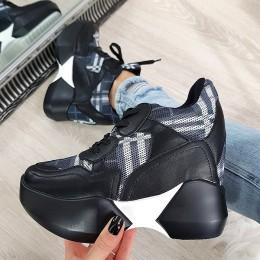 Sneakersy Czarne w Kratę Na Ukrytej Koturnie 8504