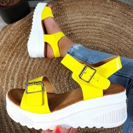 Sandały Żółte Lakierowane Na Białej Koturnie 8910