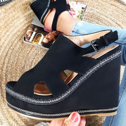Sandały Czarne Zamszowe Zabudowane Na Koturnie 8889