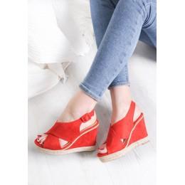 Sandały Czerwone Zamszowe Na Koturnie 9521