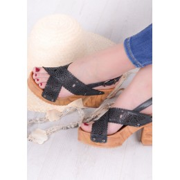 Sandały Czarne Ażurowe na Drewnianej Podeszwie 9555