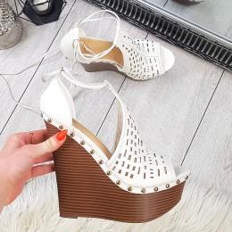 Sandały Ażurowe Białe Na Wysokiej Koturnie 8879