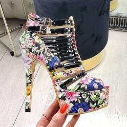 Sandały Fantastyczne Lakierowane Kwiatowe 9751