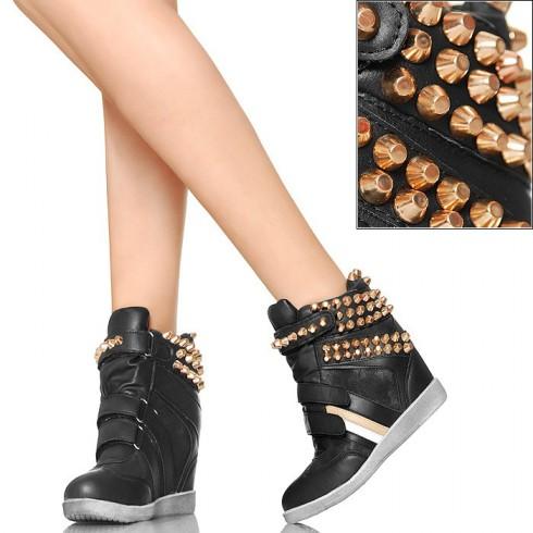 NIE - Z Dużymi Złotymi Ćwiekami - Czarne Sneakersy