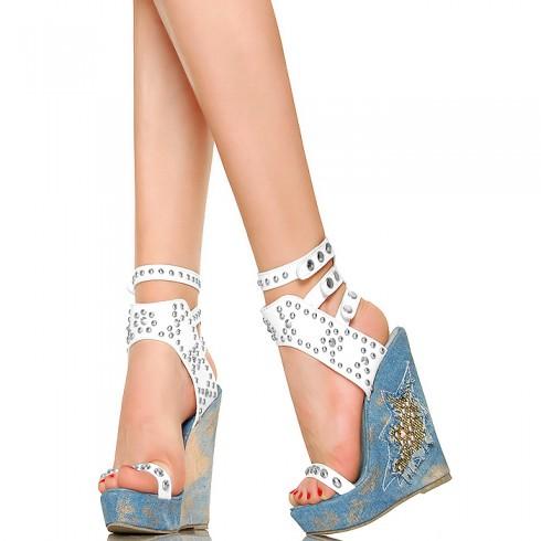 NIE - Jasne Jeansowe Koturny - Białe Sandały