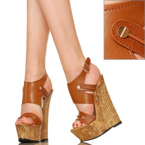 nie - Zgrabne Karmelowe Sandały Złote Śrubki