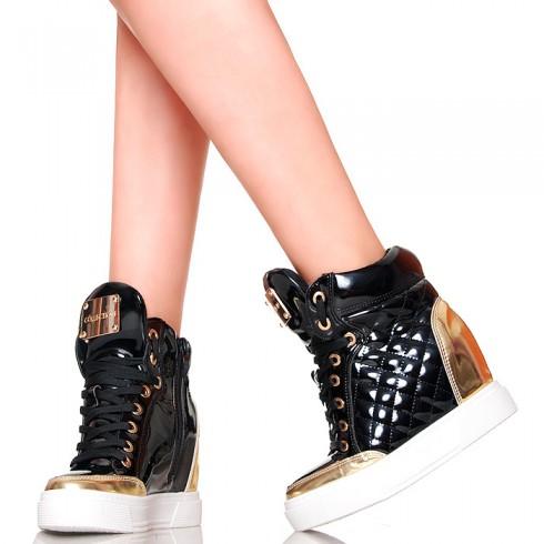 nie - Sneakersy - Czarne Lakierowane Złote Wstawki