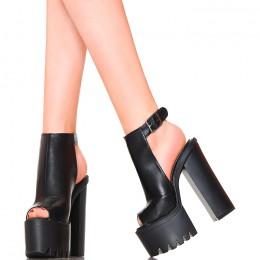 Sandały - Czarne Zabudowane Mega Słupki