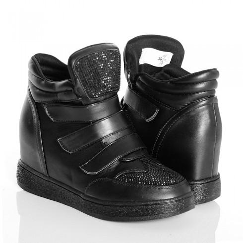 Sneakersy Czarne Błyszczące Na 3 Rzepy 4748